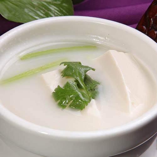 红头鱼豆腐汤