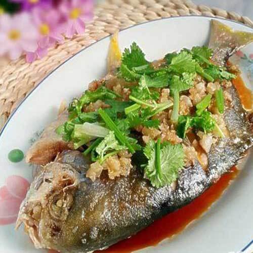 蒜香金鲳鱼