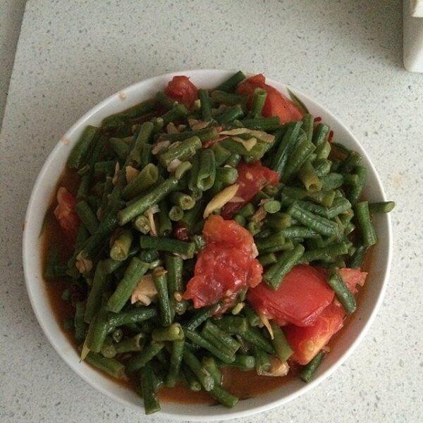 好吃的西红柿炒豇豆的做法