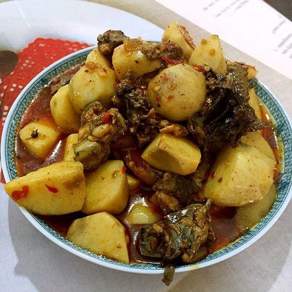 美味的芋儿烧鸡的做法