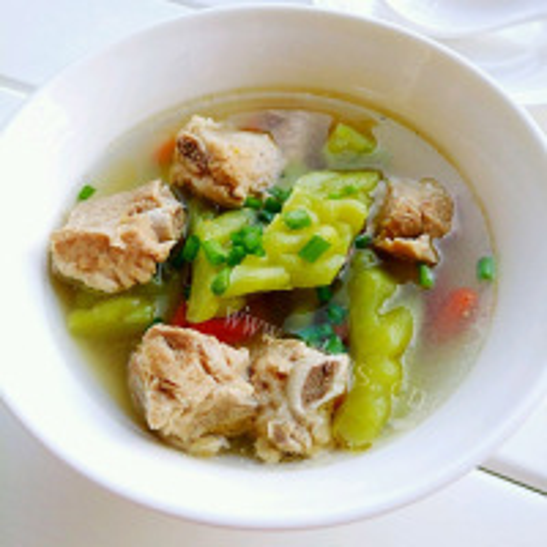 营养苦瓜排骨汤的做法