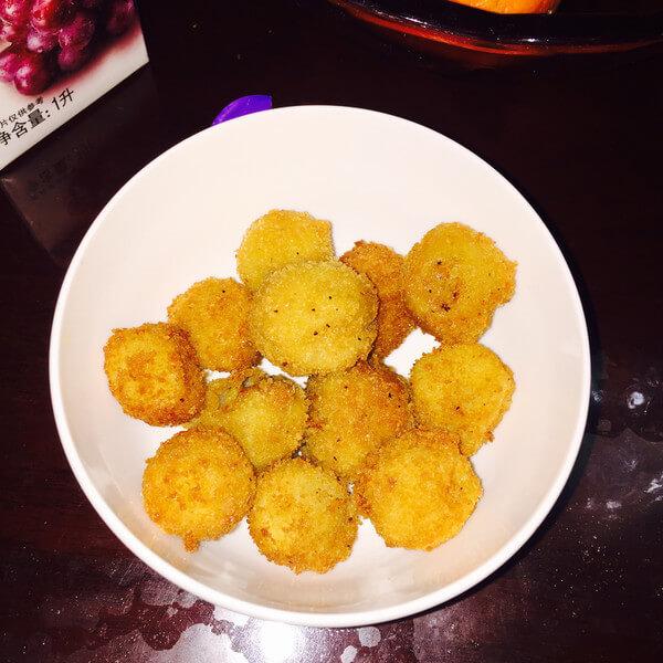 美味的 炸土豆小吃