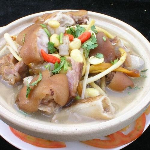 猪手煲汤的做法