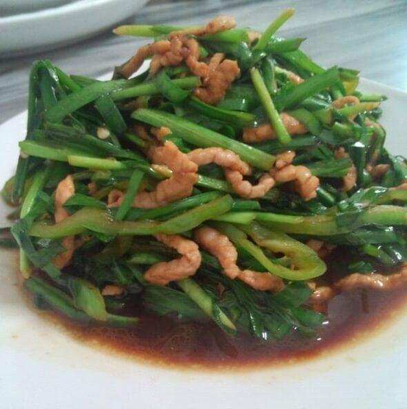 美美厨房之韭菜炒肉丝