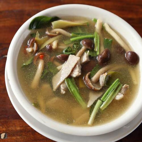猪肉蘑菇汤的做法