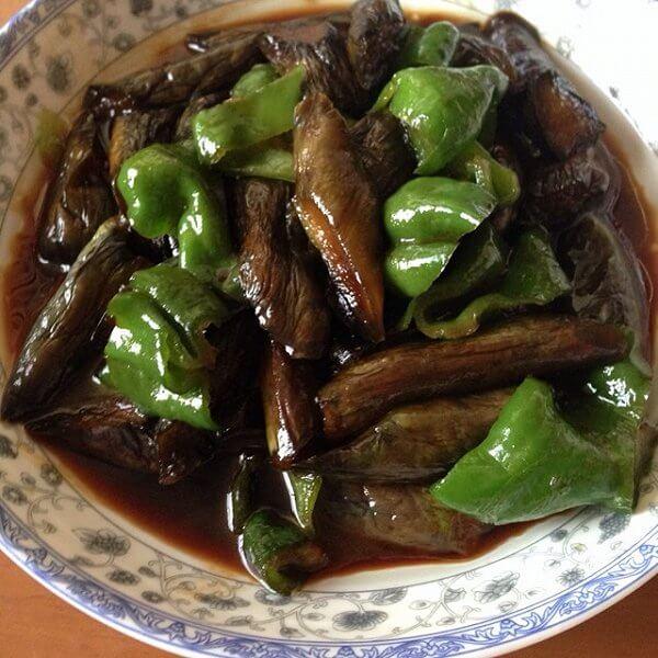 家常菜青椒炒茄子