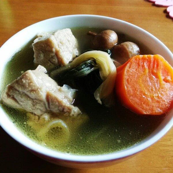 美味的菜干瘦肉汤