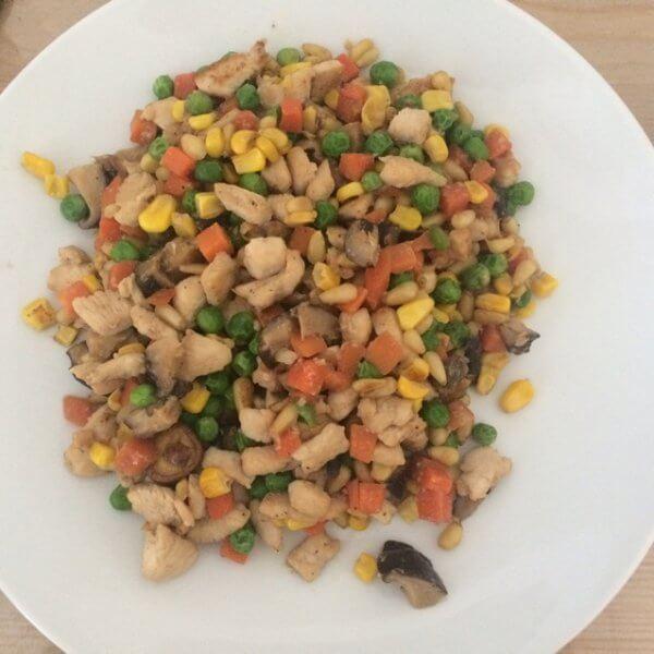 鸡肉炖玉米