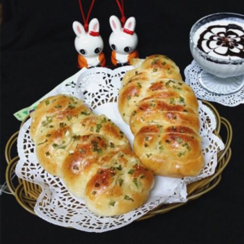 香葱芝士辫子面包