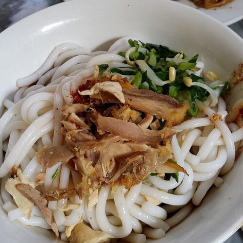 红油鸡丝凉拌米线