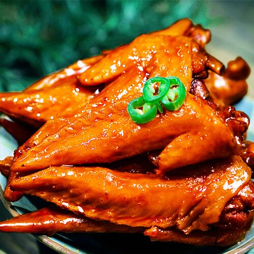 美味的卤鸡翅