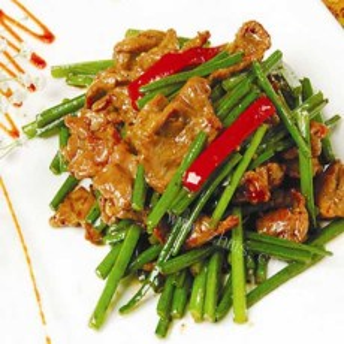 美味的蒜苔炒羊肉