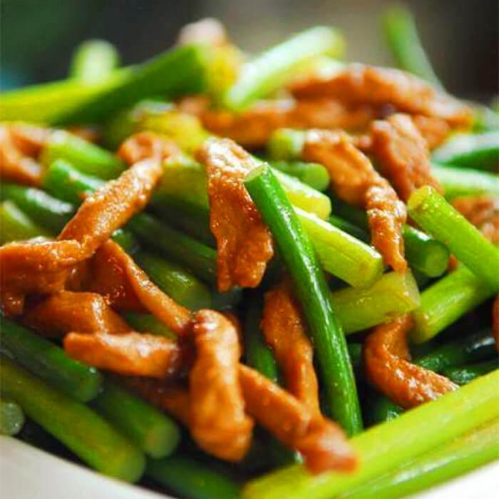 鲜美的蒜苔炒羊肉