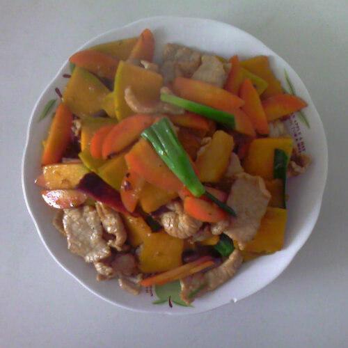 营养丰富的南瓜炒肉片
