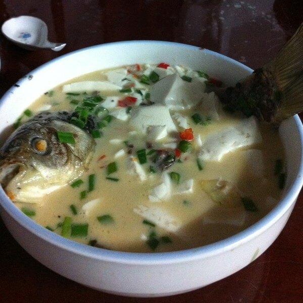 美味的鲫鱼豆腐汤做法