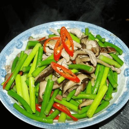 家常蒜苔炒香菇