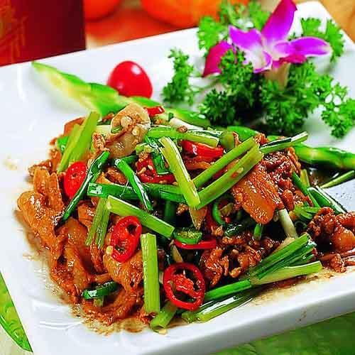 美味的韭菜梗炒肉丝