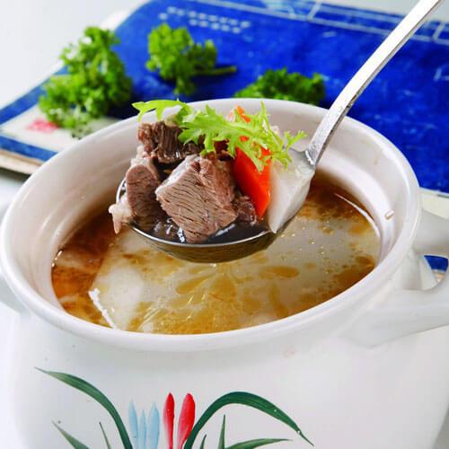 杜仲羊肉汤的做法