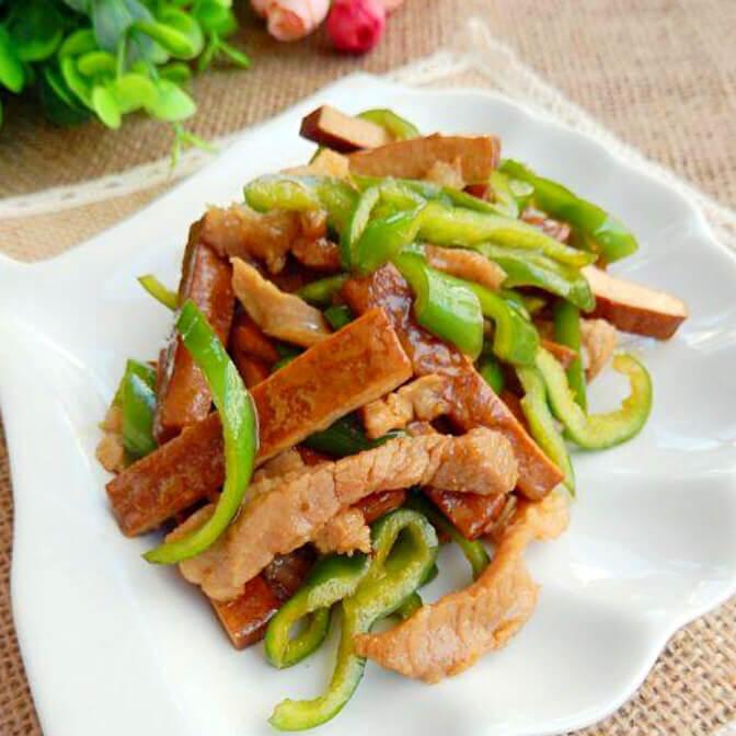 下饭菜:虎皮青椒配炒肉