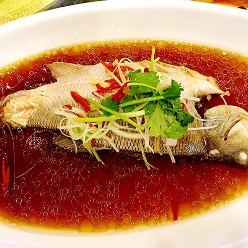 鱼清蒸的做法