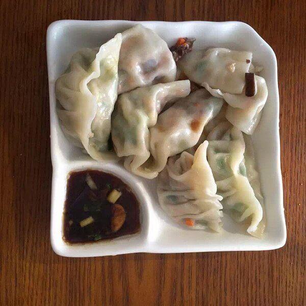 好吃的猪肉香菇韭菜饺子