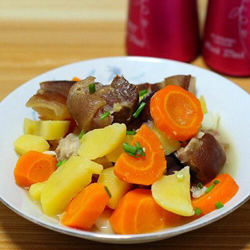 土豆炖胡萝卜