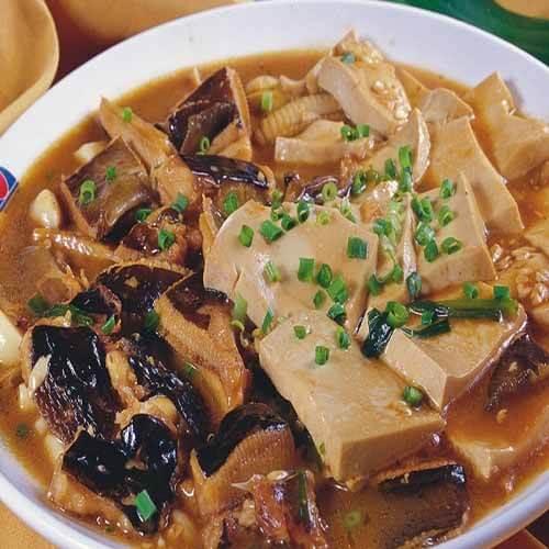 家常鱼焖豆腐的做法