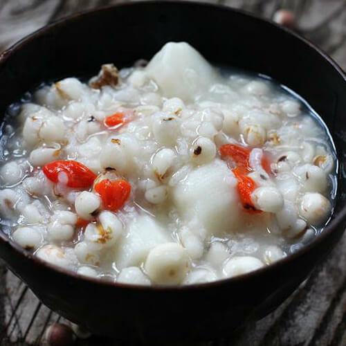 山药薏米芡实粥做法