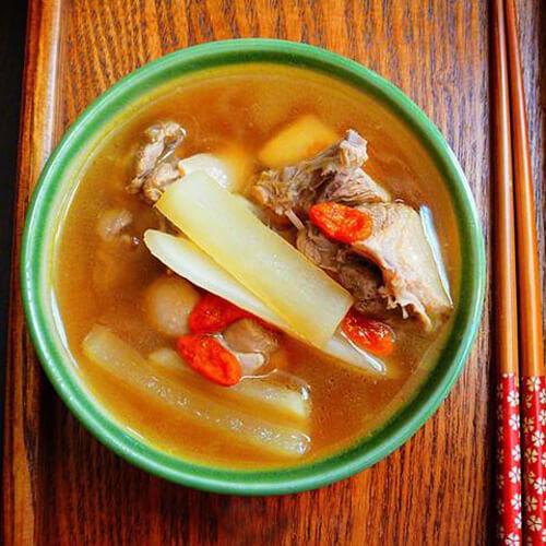 美味的酸萝卜老鸭汤的做法