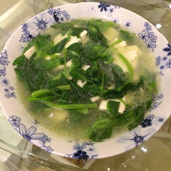 清淡白菜豆腐汤