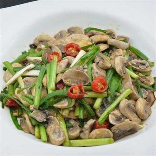 韭菜炒蘑菇