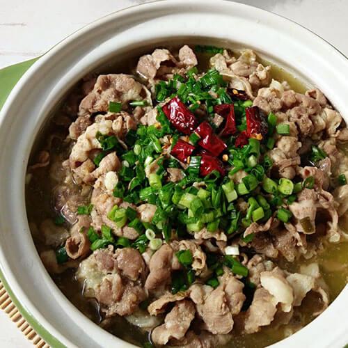 美味的酸辣羊肉汤锅的做法