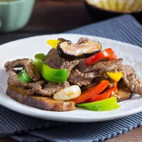 清炒蒜苔炒香菇