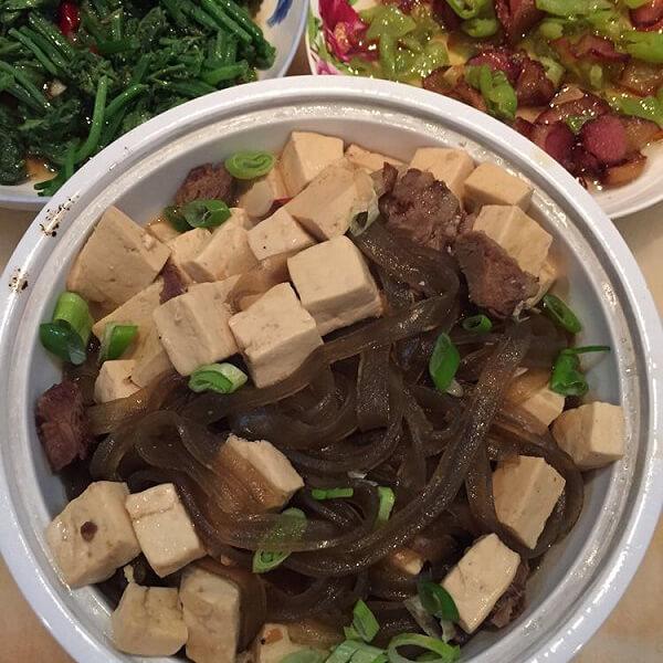 1大匙肉燥炖豆腐