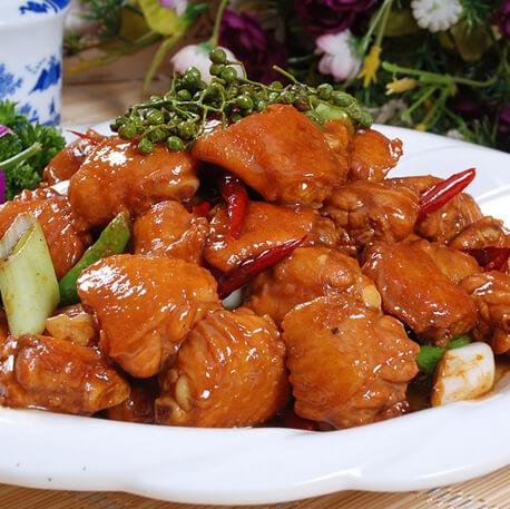麻辣好吃的炒鸡翅的家常做法