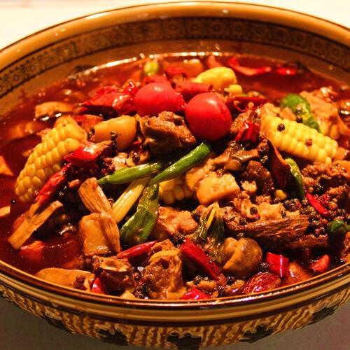 美味的麻辣火锅鸡