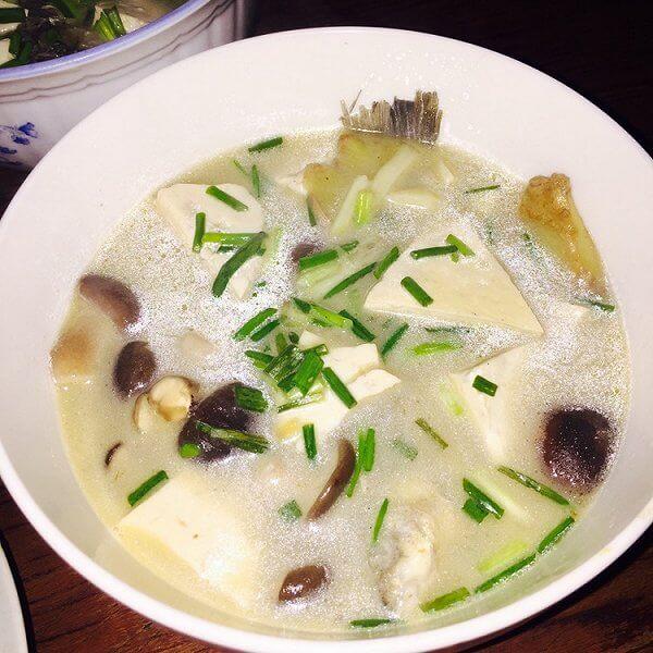 老爸做的豆腐鲫鱼汤