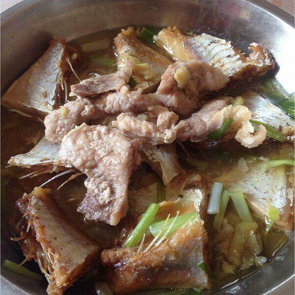 美味的咸鱼蒸猪肉的做法