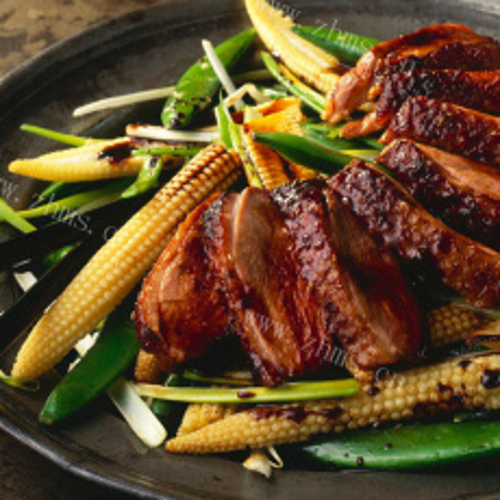 美味的辣炒鸭肉