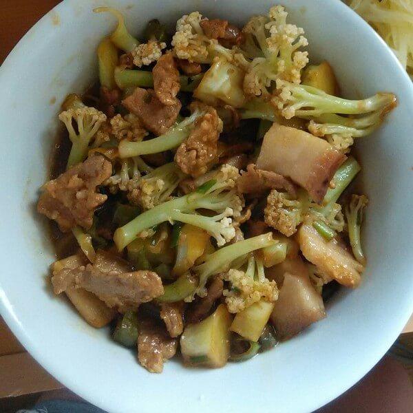 #特色菜#花菜烧肉