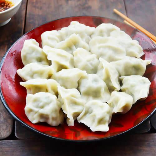 家常的芹菜猪肉水饺的做法