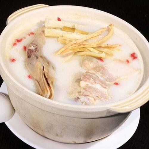 鸭子炖汤的做法