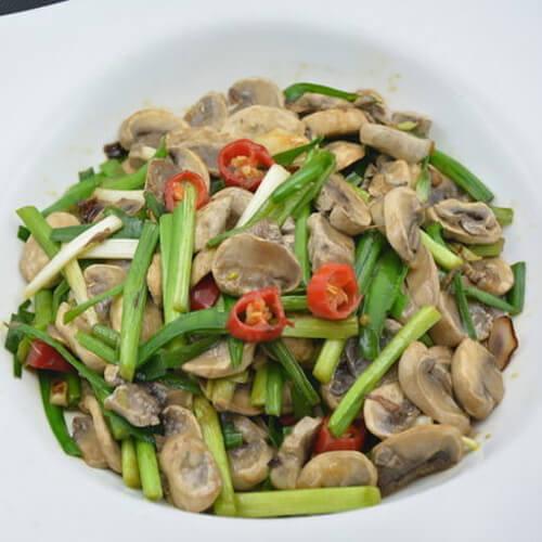 家常韭菜炒蘑菇