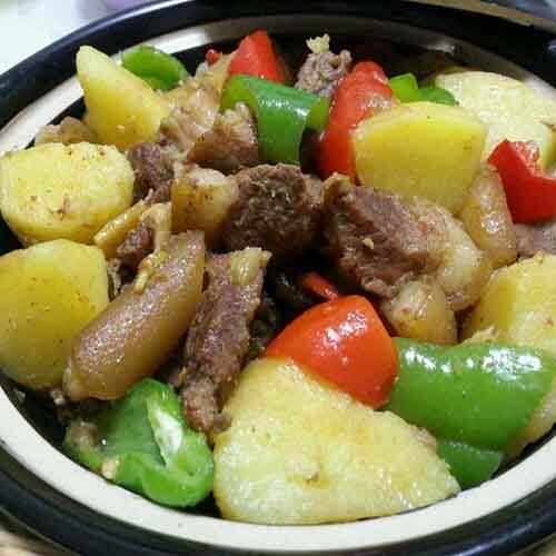 土豆炖猪肉的做法