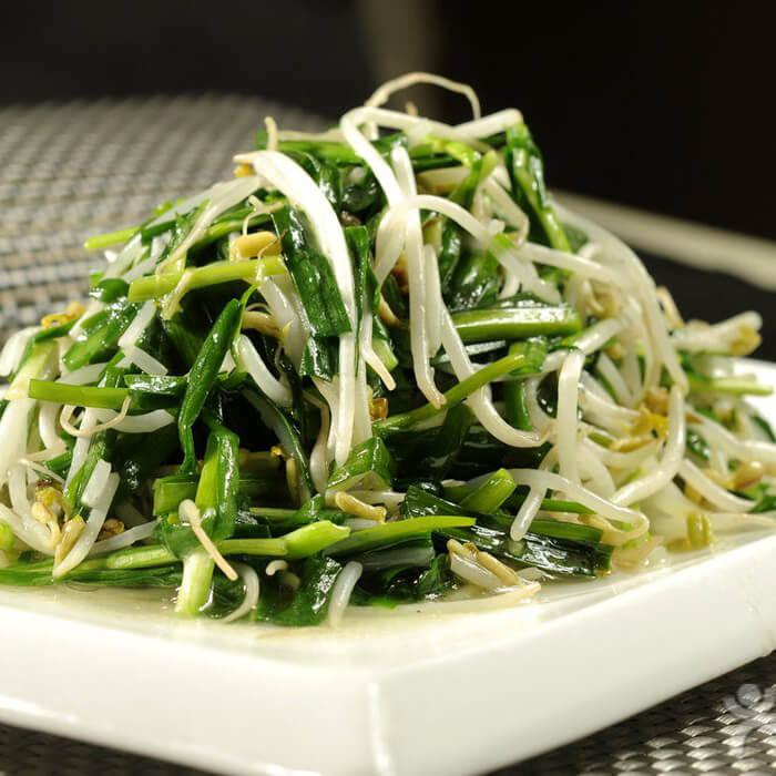 营养丰富的韭菜炒绿豆芽