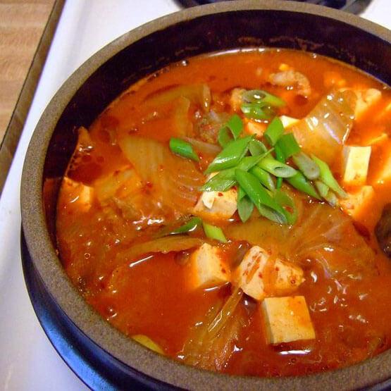 简单的韩国泡菜汤的做法
