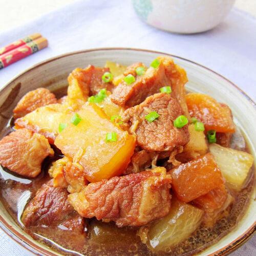 猪肉炖萝卜的做法