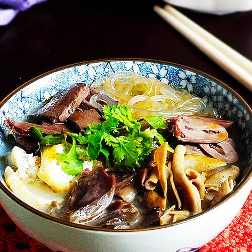 美味鸭血粉丝汤的做法