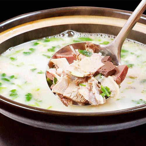 美味酸菜羊肉汤