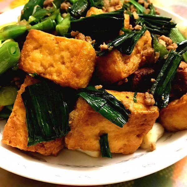 鲜香的蒜苗炒豆腐
